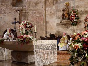 Anniversary Mass heropening van de cultus