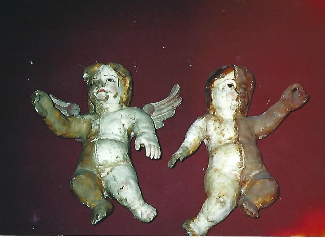 Los ángeles exentos durante la restauración